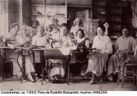 Costureiras. ca. 1920. Foto de Rodolfo Balzaretti.