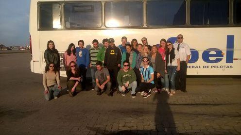 Viagem do Curso de Geografia (ICH) para participação de aula prática com alunos da disciplina de Geografia Urbana em Porto Alegre/RS.