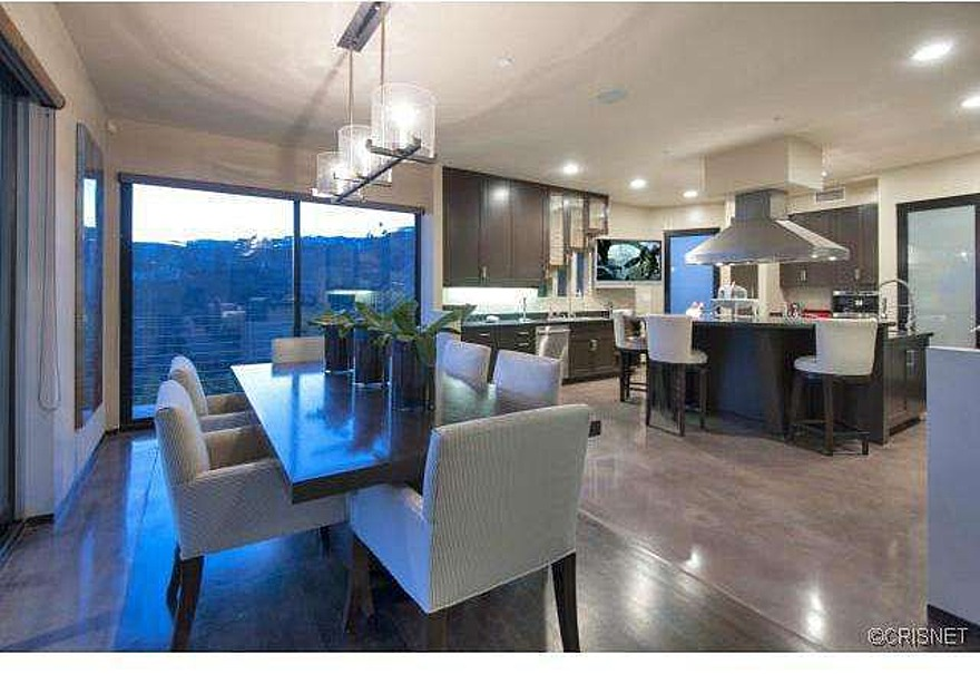 how much does a remodeled kitchen cost valances running back reggie bush lists redecorated hollywood hills ...