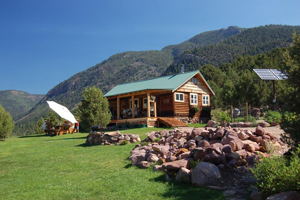 Tiny Mountain Houses For Sale Life At Home Real Estate 101
