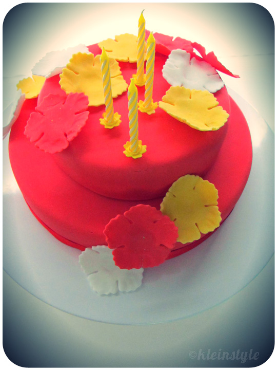 Aloha-cake-red by ©kleinstyle.com
