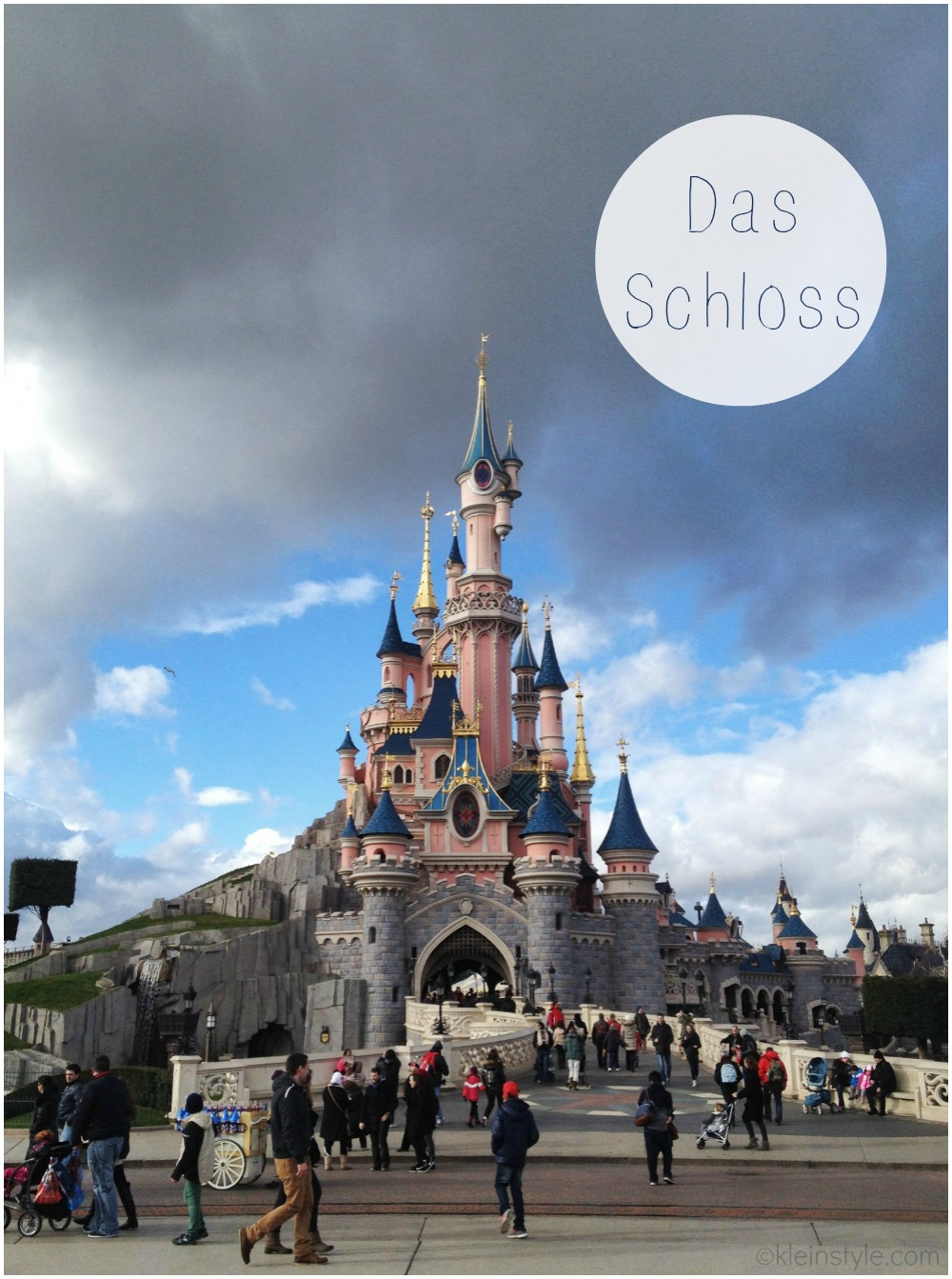 Disneyland Paris Disney Schloss pic ©kleinstyle.com