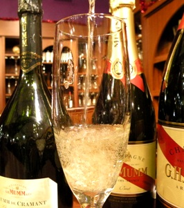 News24-680.com, Walnut Creek News, BevMo hosts a sparkling wine and champagne tasting just in time for the New Year's Holiday.