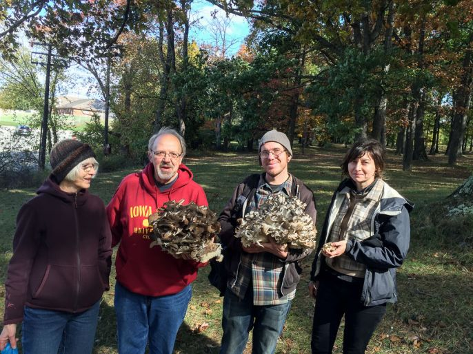 Donated Hen of the woods. By Richard Jacob