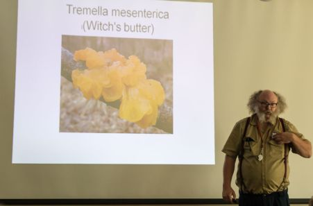 La Monte Yarroll lecturing on Jellies
