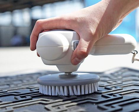 雪豹智能電動無線清潔打蠟機_刷洗汽車腳踏墊