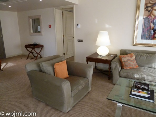 Grand Hyatt Santiago Executive Suite Terrace Living room