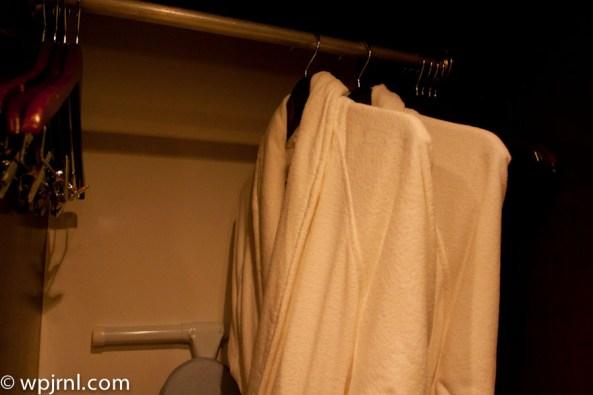 Hyatt Regency Cancun - Eternity Suite - walking closet