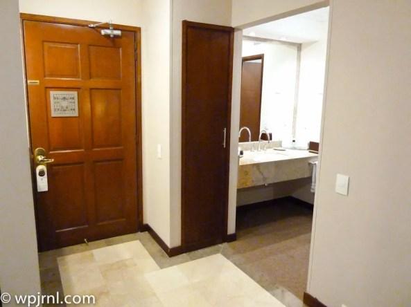 Embassy Suites by Hilton Bogota - Room Entrance