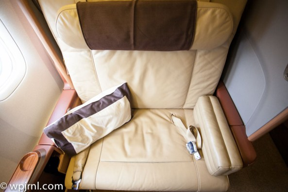 Singapore Airlines First Class SQ211 SIN-SYD Boeing 777-300 (773) - Seat