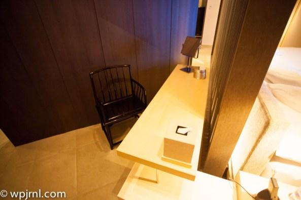 Park Hyatt Shanghai Diplomatic Suite - vanity
