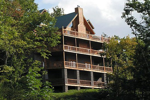Big Bear Lodge - A Gatlinburg Cabin Rental