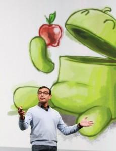 google-io-2011-vic-gundotra-in-front-of-anti-apple-slide