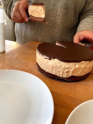 Keto peanut butter cheesecake - Deliciously suitable for these reviews of low carb diets.