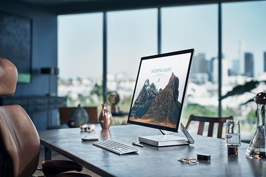 Surface-Studio-Lifestyle-3-web[1]