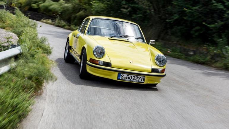 Forza Horizon 3 Yellow Porsche