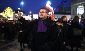 Sędzia Juszczyszyn wygrywa wsądzie zeSkarbem Państwa