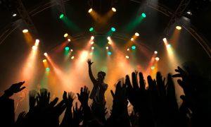 Zespół muzyczny odwołał koncert w klubie LGBT. Lider twierdzi, że zabronił mu tego Jezus