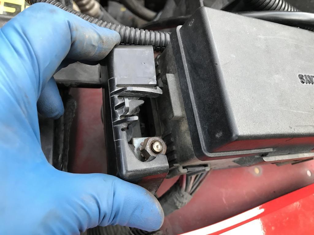 hight resolution of img 6211 zpso2qwabt3 jpg wtb side cover fuse box jeep wrangler