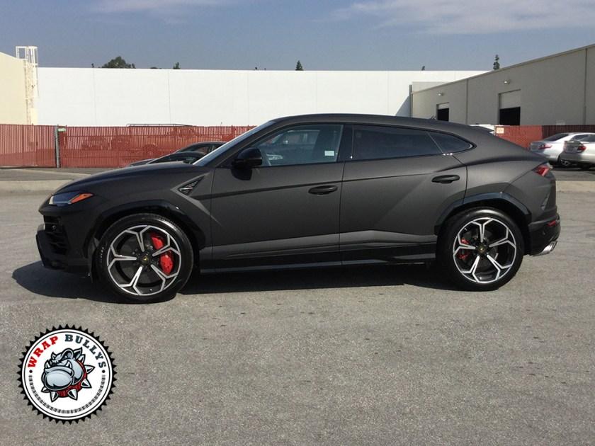 Lamborghini Urus Wrapped in Deep Matte Black