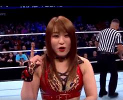 WWE紫雷イオ