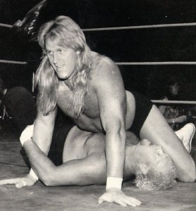 Brian Lee pinning rival DWB.