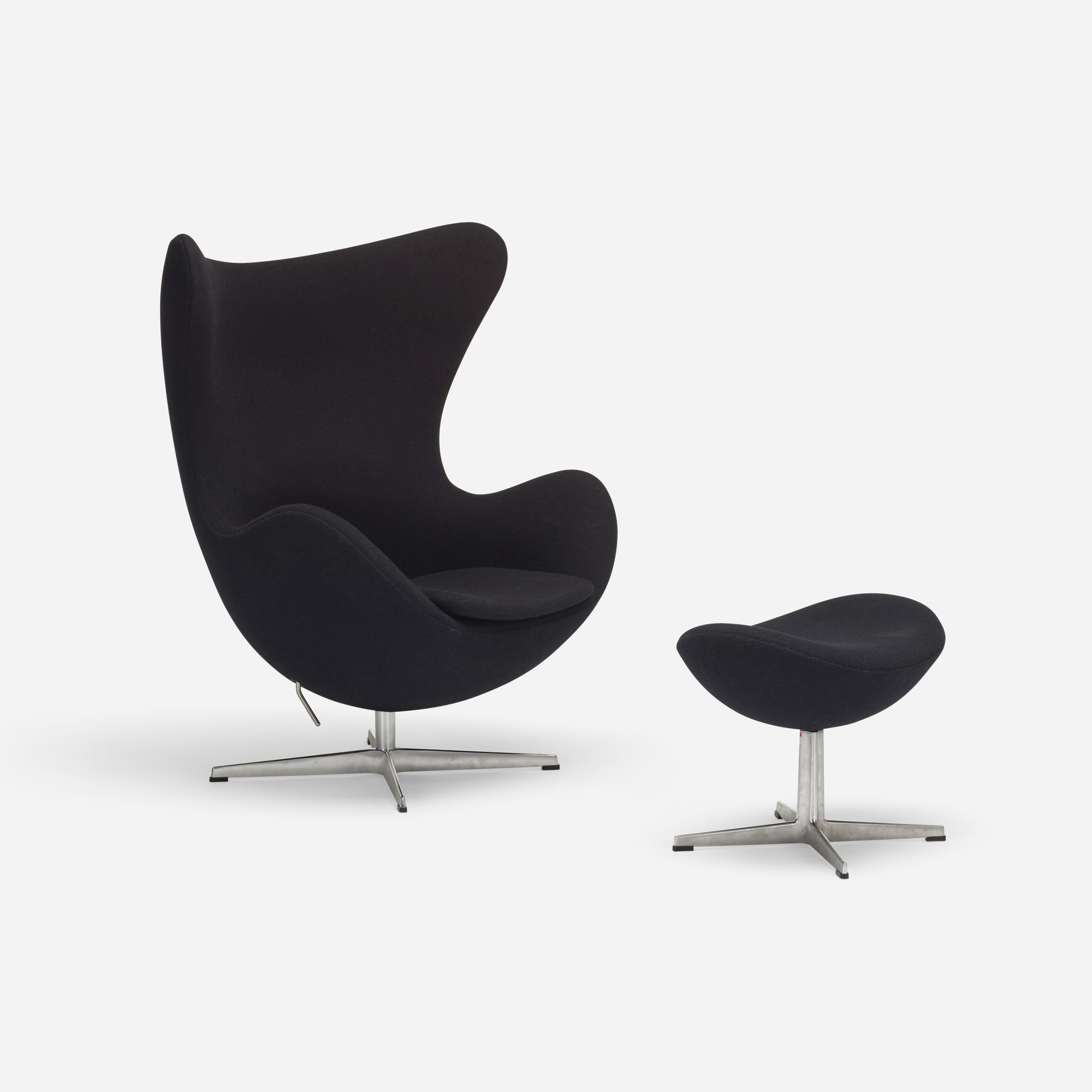 Used Egg Chair 335 Arne Jacobsen Egg Chair And Ottoman