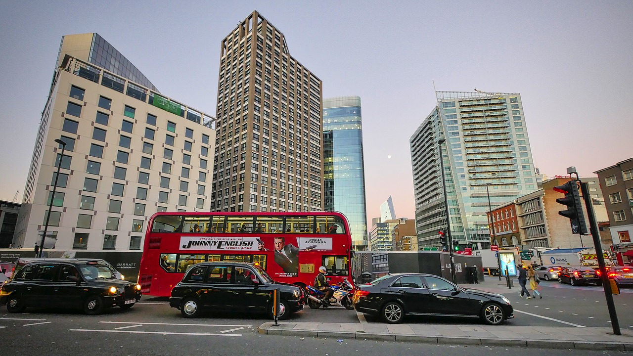 <p>London has reduced road deaths 45% over the past decade by improving street designs and reducing speed limits. Photo by Max Pixel</p>