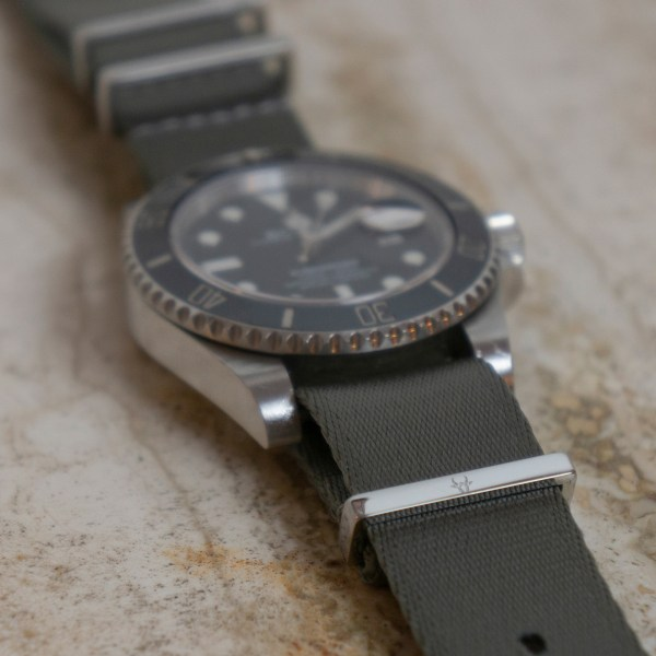 Seal-gray-bull-wrist-hardware-watch-strap-band