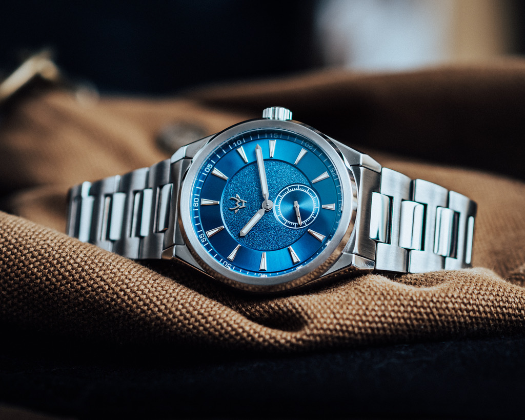 wrist-hardware-mk1-paramo-patagonia-blue-sunburst-dial-small-seconds-sport-wrist-watch-integrated-bracelet-h-links
