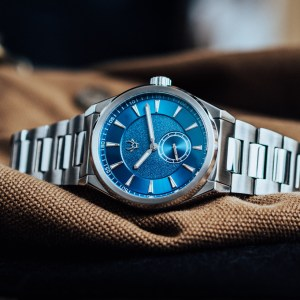 wrist-hardware-mk1-paramo-stainless-steel-integrated-bracelet-swiss-movement-quartz-6-jewels-200m-waterproof-sapphire-crystal-diving-extension