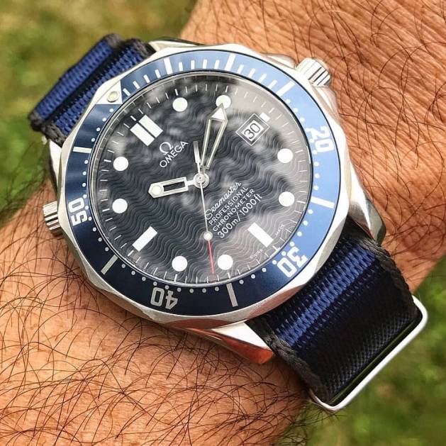 Omega Seamaster paired with the New #WRISTPORN x @WatchBandits Nato Strap captured by @apiacreations