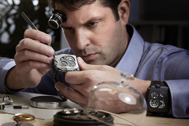 Urwerk-EMC-Pistol-unique-engraved-6