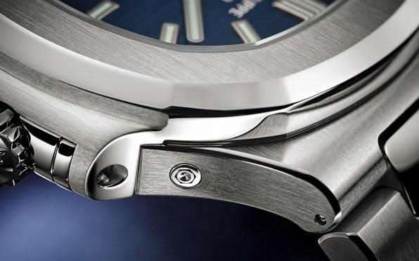 Patek-Philippe-Nautilus-Annual-Calendar-5726A-Gradient-Blue-Baselworld-2019-4