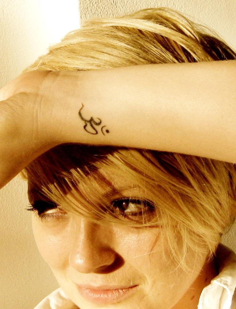31 Excellent Om Tattoos Designs On Wrist