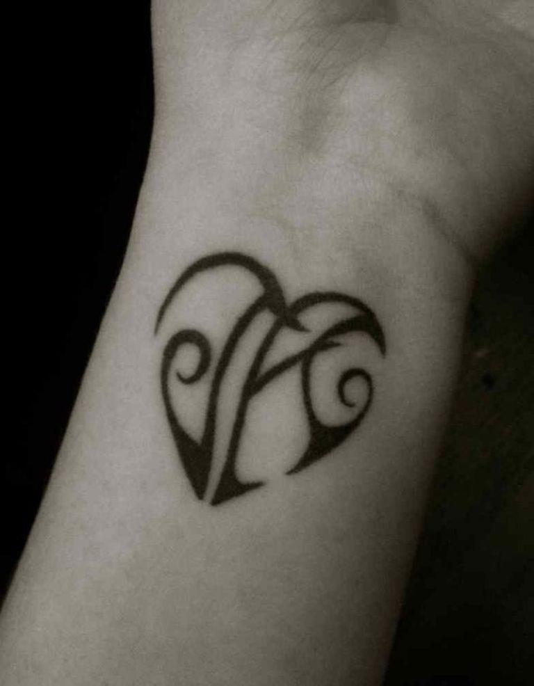 Heart Tattoo With Initials : heart, tattoo, initials, Stylish, Wrist, Initials, Tattoos