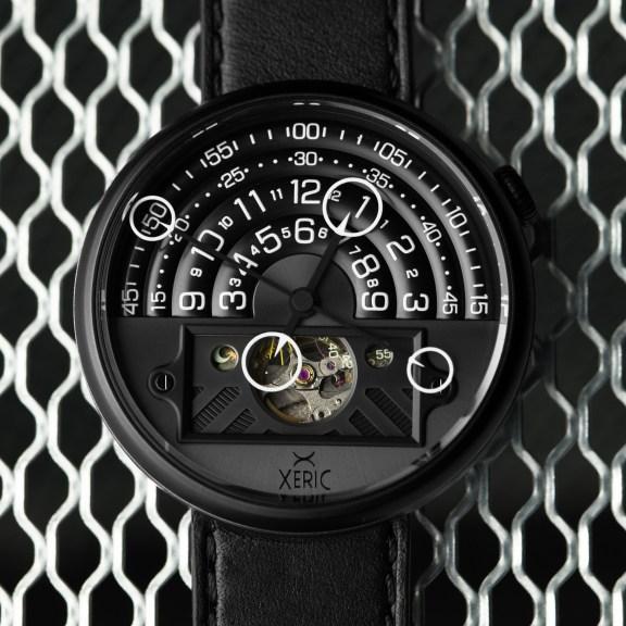 xeric-halograph-2-lifestyle-all-black-lume-1