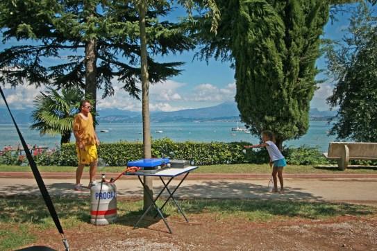 Playimg badmitten at the lake