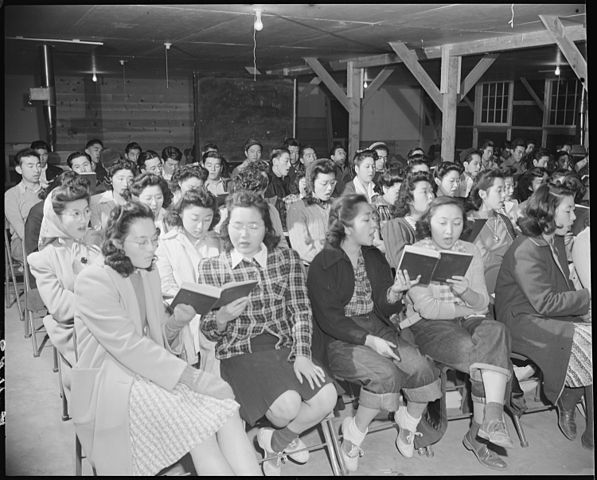 carols-relocation-camp-1942