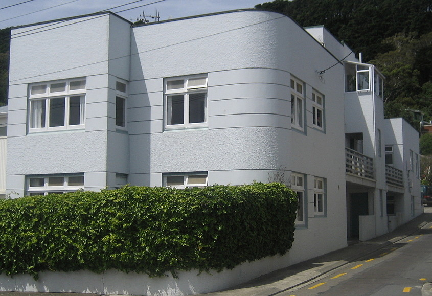 Photo of small art deco apartment block in Wellington, New Zealand.