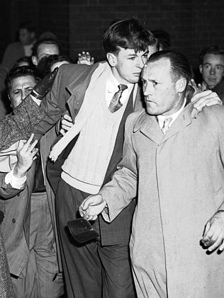 Coleman famoulsy rubbed out of the '52 Grand Final