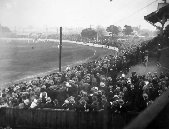 Footscray's VFL debut at the Western Oval