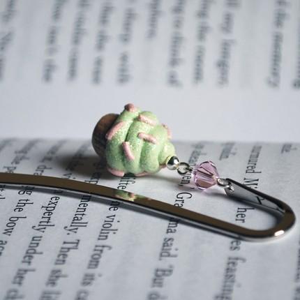 Minty the Happy Cupcake bookmark by littlegenschi, $6.50
