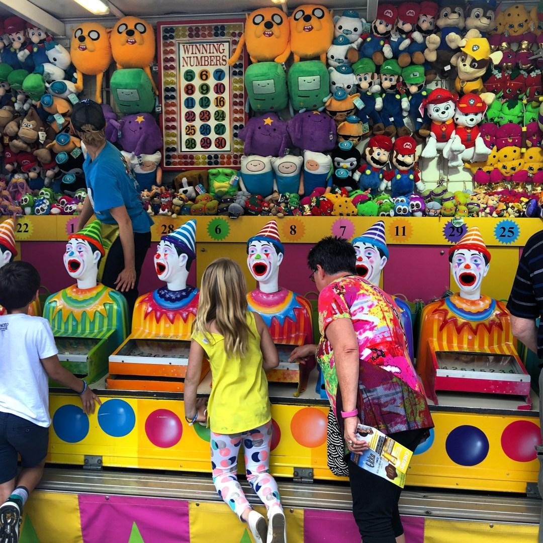 laughing clowns, ekka