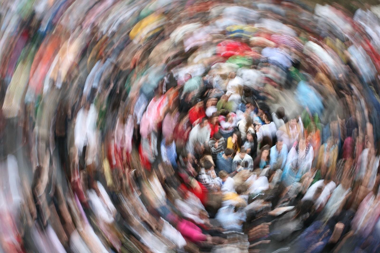 0009A-Crowd-Motion-Freepik