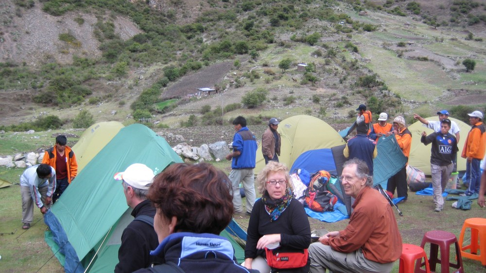 Peru Travel Blog: 28th September 2011: Inca Trek Day #1: Trails of the old 'n' chunky‏ (6/6)
