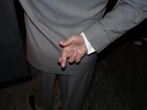 crossed-fingers-363478_1280