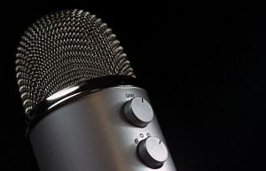 microphone-1172260_1280