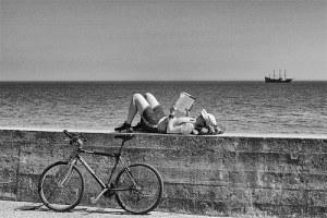 photo credit: Zatopiona w lekturze / Immersed in reading via photopin (license)
