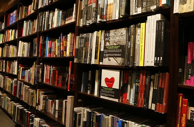 7 Tips For Getting Indies To Stock Your Book! By Anthony St. Clair
